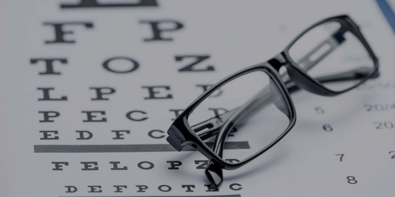 Eye test chart with Glasses